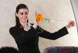 Airlien Flight Crew Demonstrates Safety